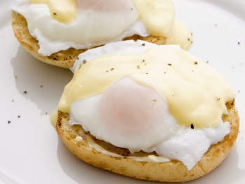 Healthy Eggs Benedict Recipe with Healthy Holliandaise Sauce Recipe ...
